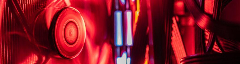 cropped-blur-close-up-colors-2643596.jpg